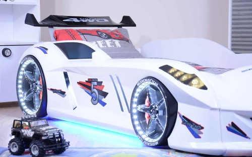 Chlapčenské posteľné auto s LED osvetlením