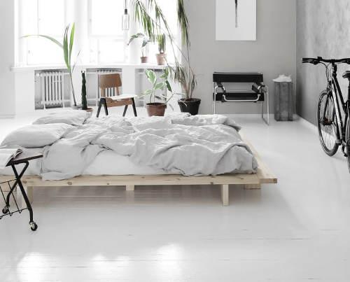 Minimalistická posteľ pre moderné interiéry